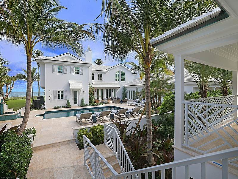 Single Family Home vì Bán tại The Ultimate in Oceanfront Living Jupiter Island, Florida,33455 Hoa Kỳ