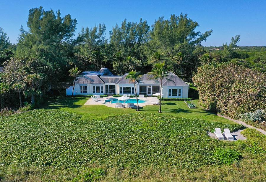 8. Single Family Home para Venda às Splendid Jupiter Island Oceanfront Jupiter Island, Florida,33455 Estados Unidos