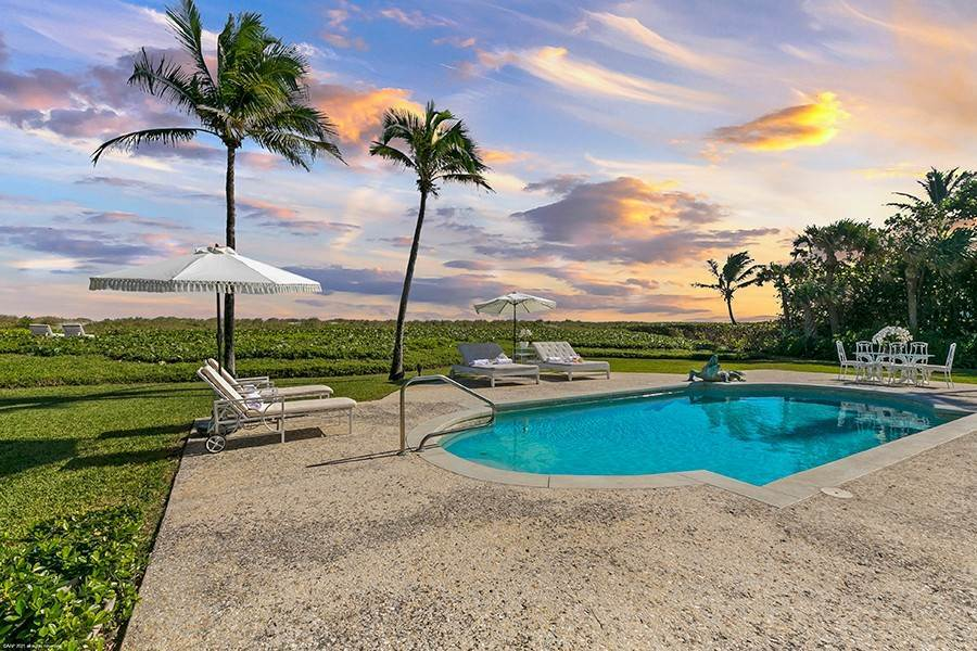 2. Single Family Home para Venda às Splendid Jupiter Island Oceanfront Jupiter Island, Florida,33455 Estados Unidos