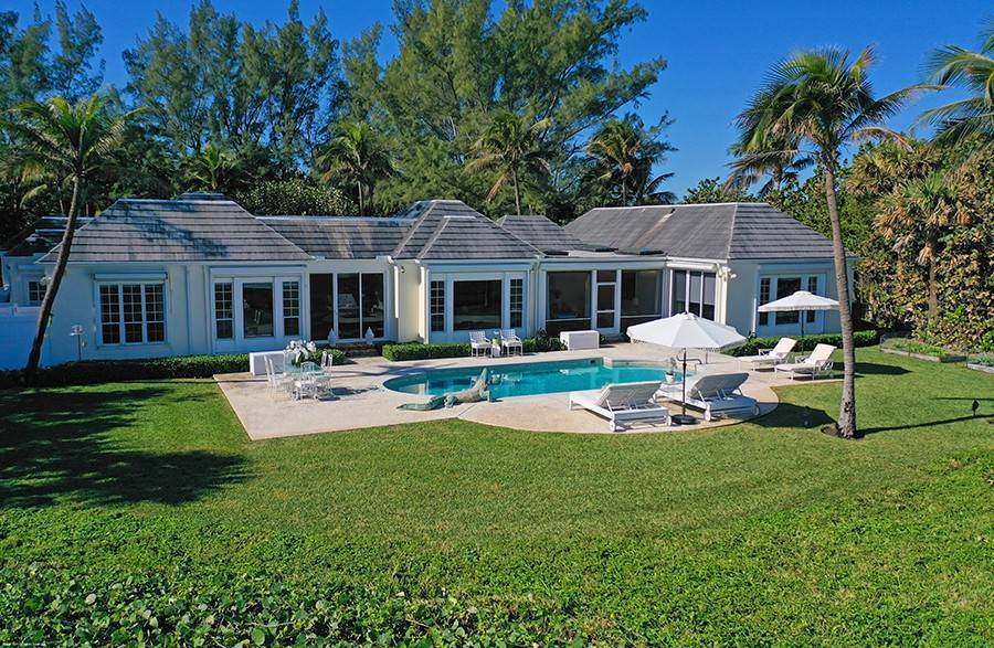 32. Single Family Home para Venda às Splendid Jupiter Island Oceanfront Jupiter Island, Florida,33455 Estados Unidos