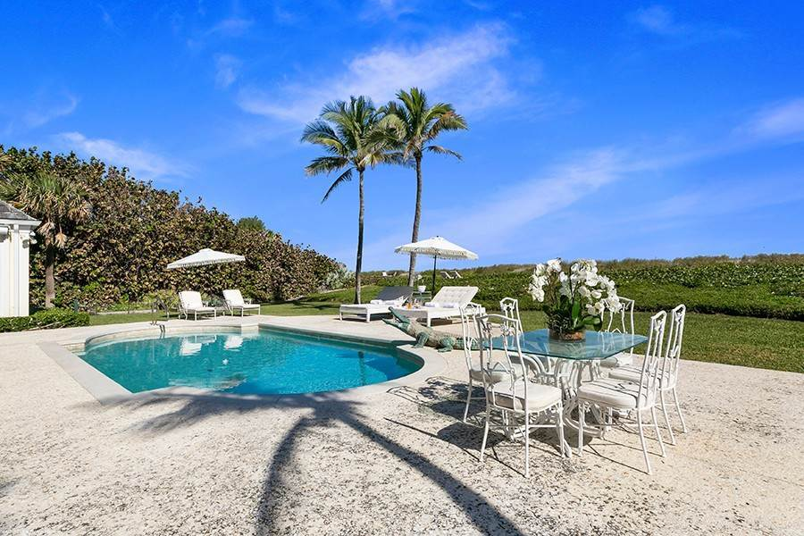 31. Single Family Home para Venda às Splendid Jupiter Island Oceanfront Jupiter Island, Florida,33455 Estados Unidos
