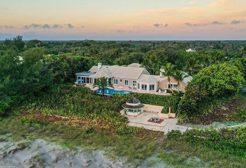 Single Family Home for Sale at BEACHFRONT BEAUTY Jupiter Island, Florida,33455 United States