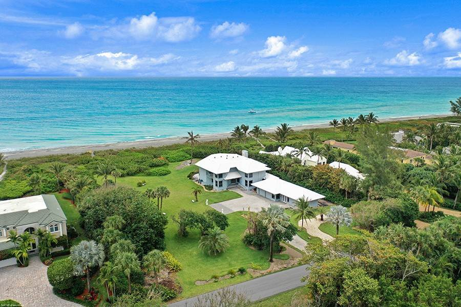 5. Single Family Home のために 売買 アット INTRIGUING OPPORTUNITIES AWAIT! Jupiter Island, フロリダ,33455 アメリカ
