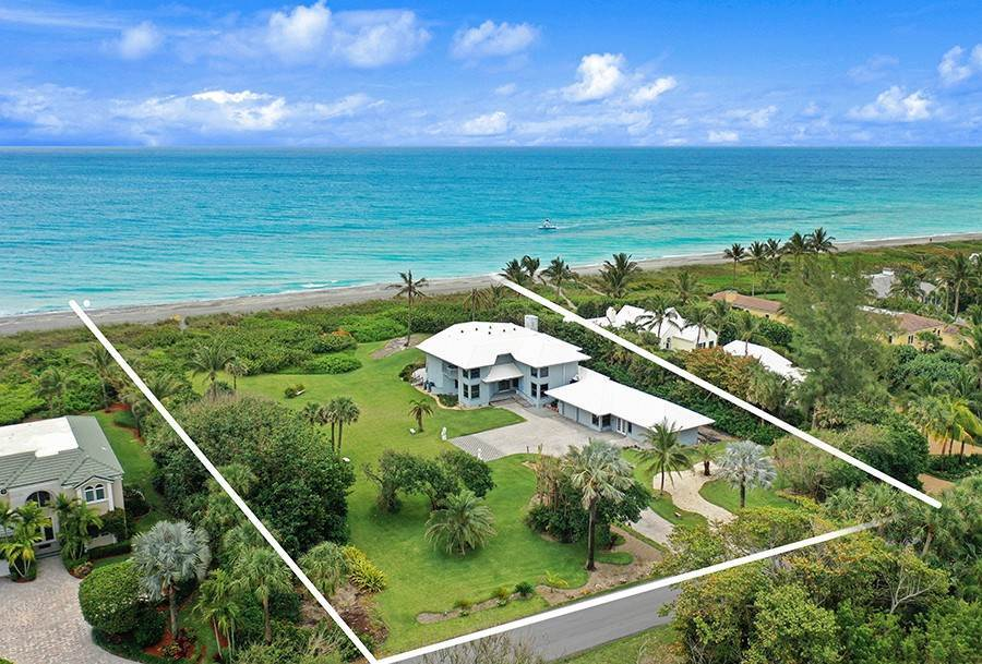 Single Family Home のために 売買 アット INTRIGUING OPPORTUNITIES AWAIT! Jupiter Island, フロリダ,33455 アメリカ