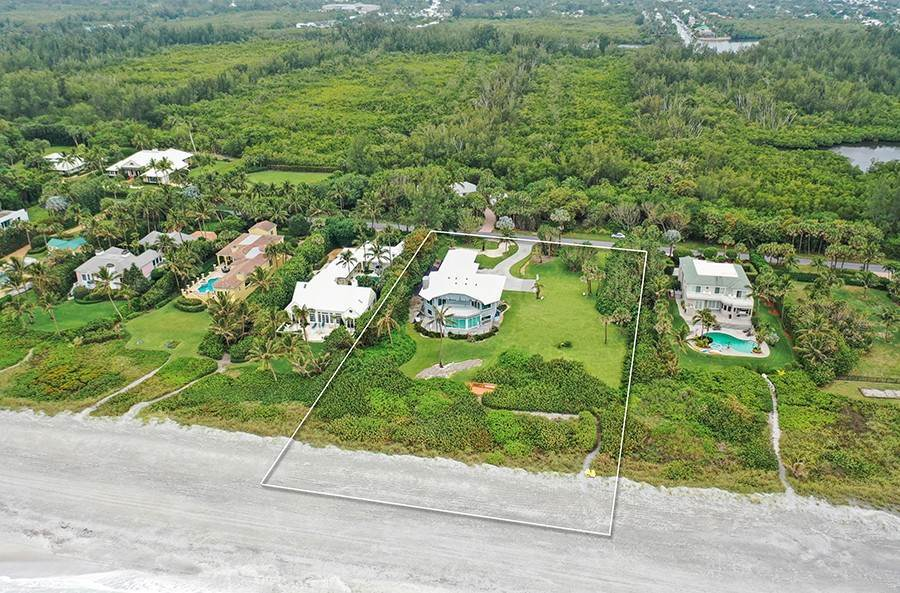4. Single Family Home のために 売買 アット INTRIGUING OPPORTUNITIES AWAIT! Jupiter Island, フロリダ,33455 アメリカ