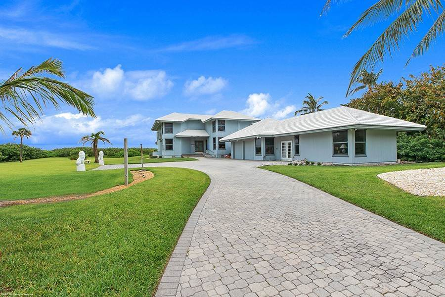 6. Single Family Home のために 売買 アット INTRIGUING OPPORTUNITIES AWAIT! Jupiter Island, フロリダ,33455 アメリカ