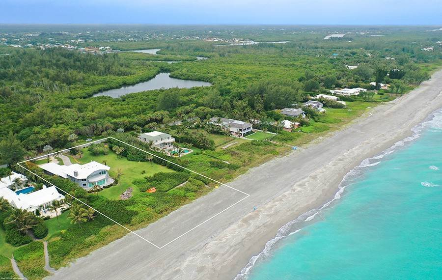 2. Single Family Home のために 売買 アット INTRIGUING OPPORTUNITIES AWAIT! Jupiter Island, フロリダ,33455 アメリカ