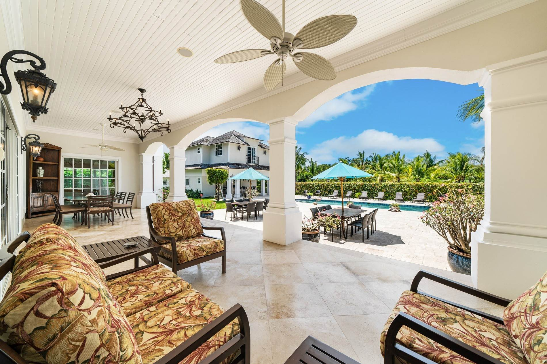 22. Single Family Home for Sale at Grand Ocean Club Home with Two Cottages Nassau New Providence And Vicinity