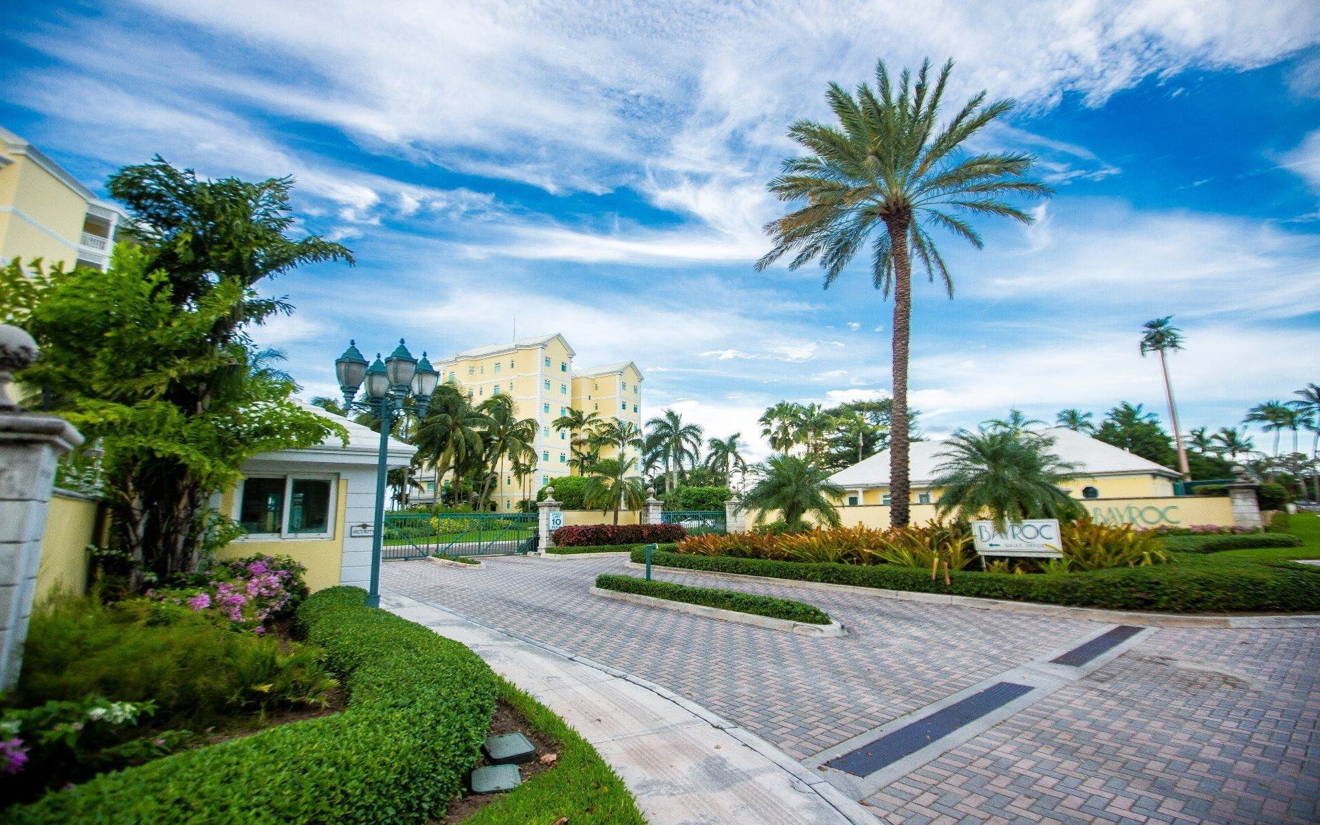 35. Condominium for Sale at Beautifully Appointed Beachfront Condo at Bayroc - MLS 42530 Nassau New Providence And Vicinity