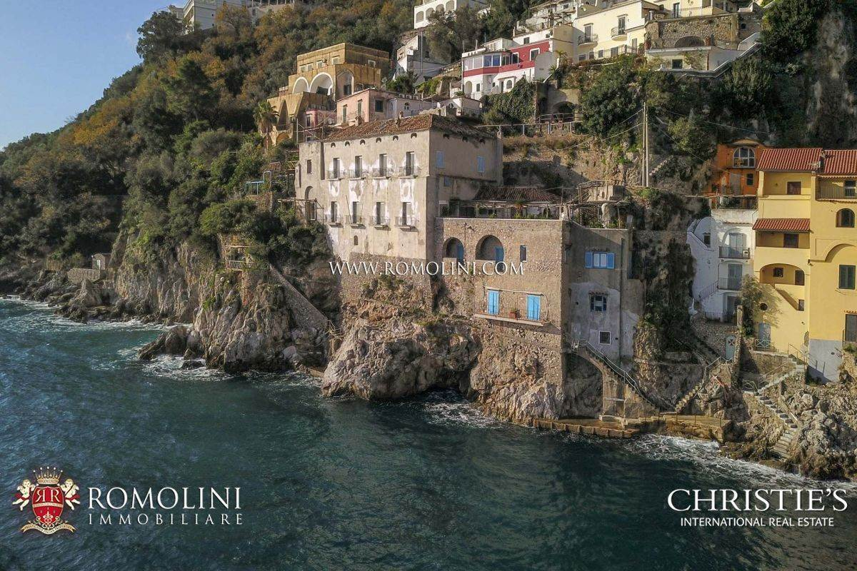 Amalfi Coast   WATERFRONT VILLA WITH ACCESS TO THE SEA ...