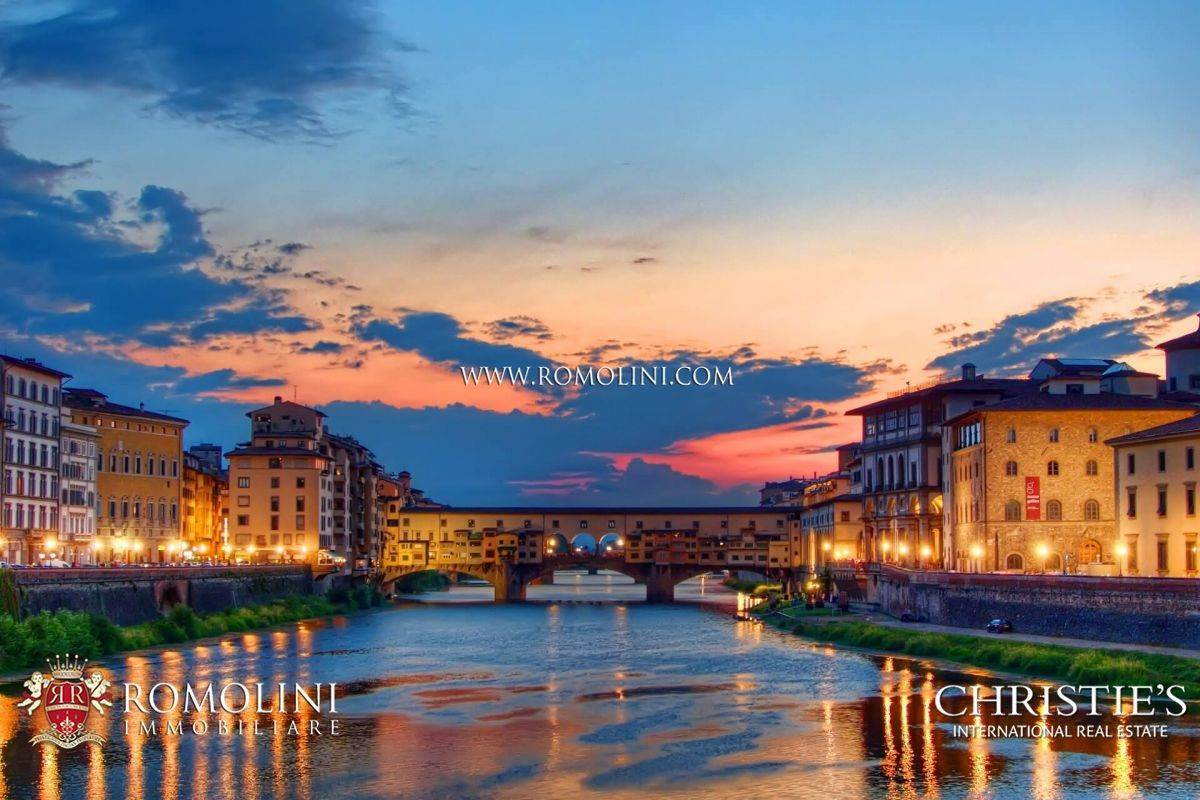 Villa/Townhouse for Sale at Florence - EXCLUSIVE HOTEL FOR SALE IN THE HISTORIC CENTRE Firenze, Italy