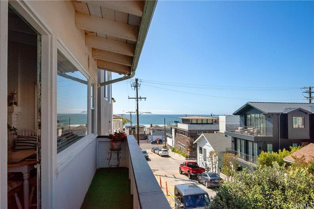 17. Residential Income for Sale at 138 30th Street Hermosa Beach, California,90254 United States
