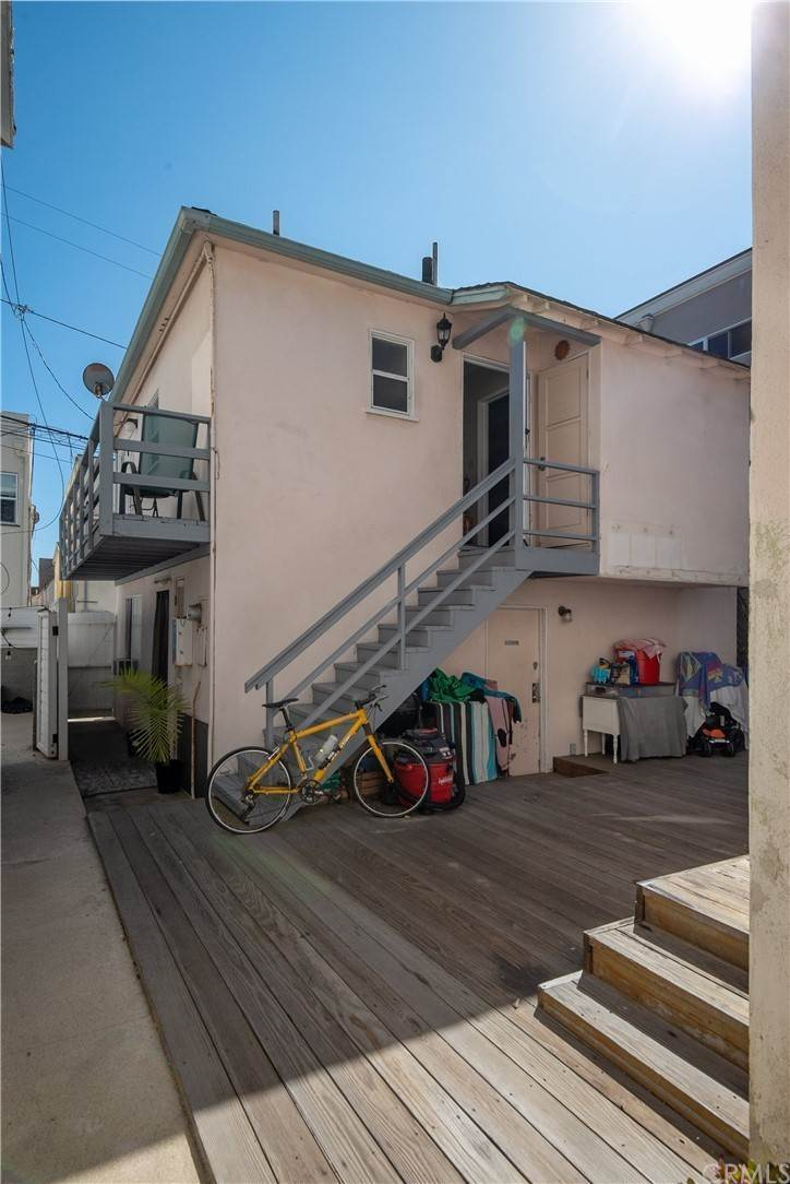 20. Residential Income for Sale at 138 30th Street Hermosa Beach, California,90254 United States