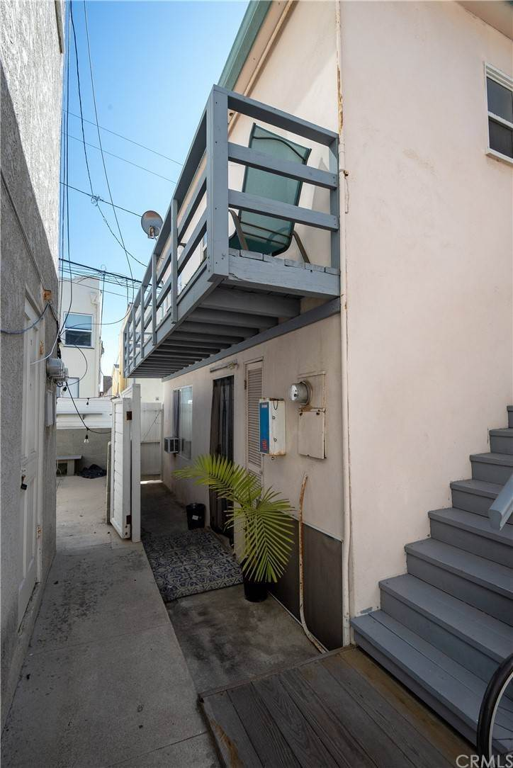 28. Residential Income for Sale at 138 30th Street Hermosa Beach, California,90254 United States