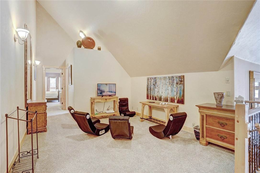 19. Single Family Home for Sale at 71 Sawmill Run Road Breckenridge, Colorado,80424 United States