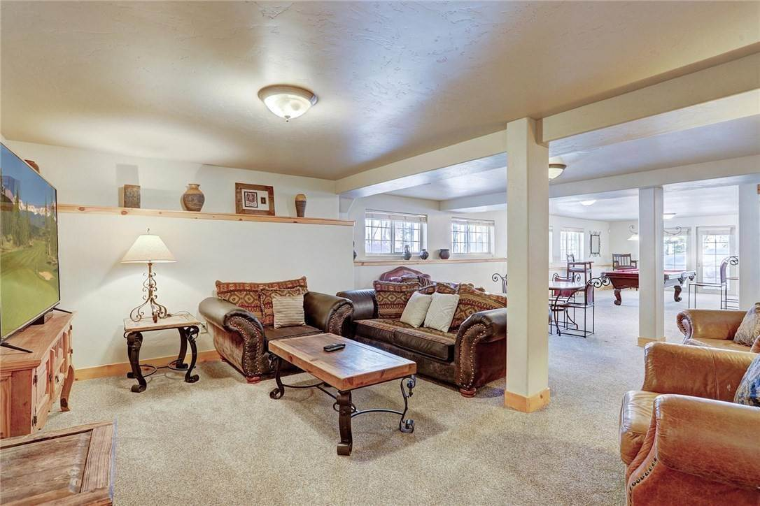 28. Single Family Home for Sale at 71 Sawmill Run Road Breckenridge, Colorado,80424 United States