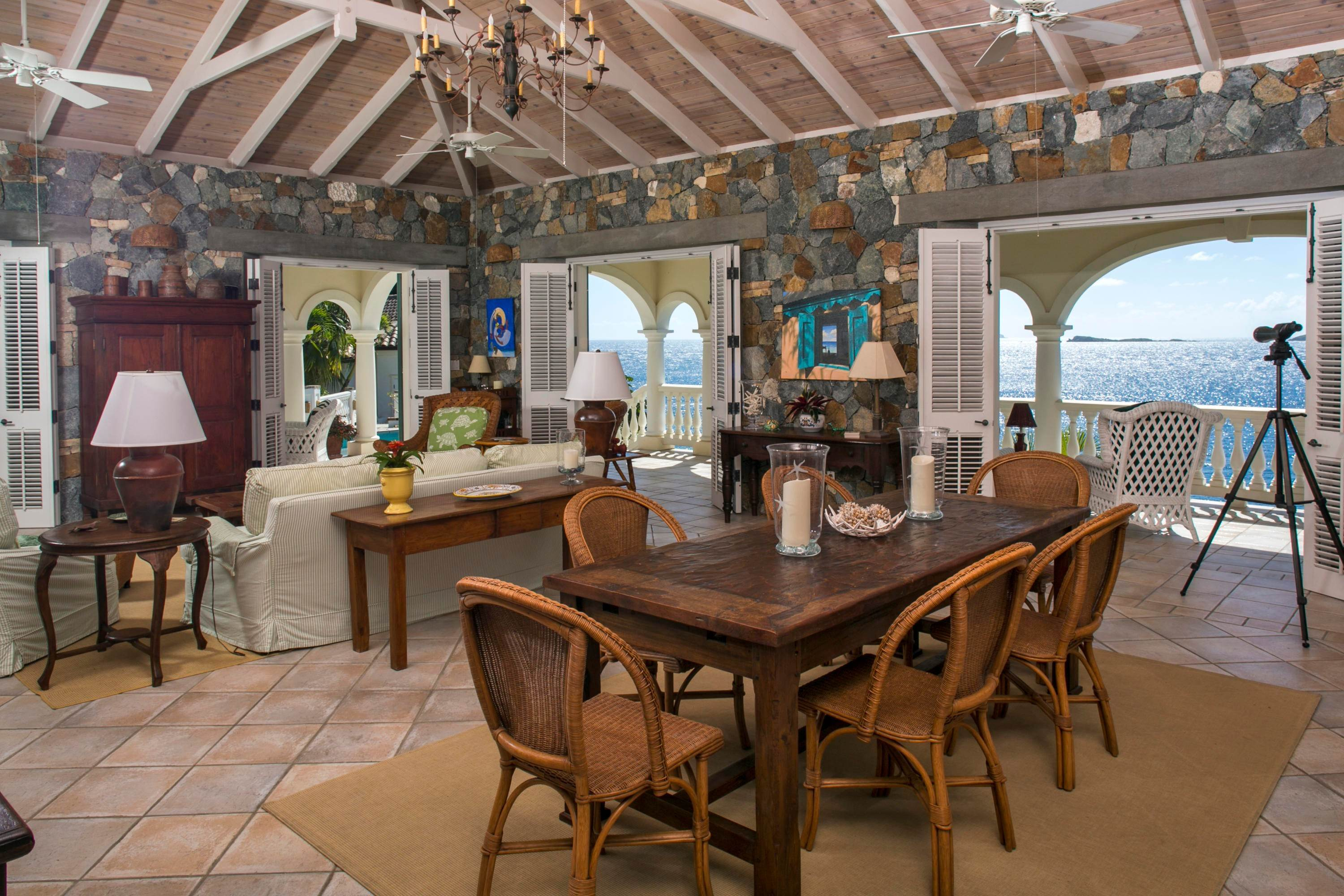 19. Single Family Home per Vendita alle ore 9-4 Con. Contant Cruz Bay St John, Virgin Islands,00830 Isole Vergini Americane