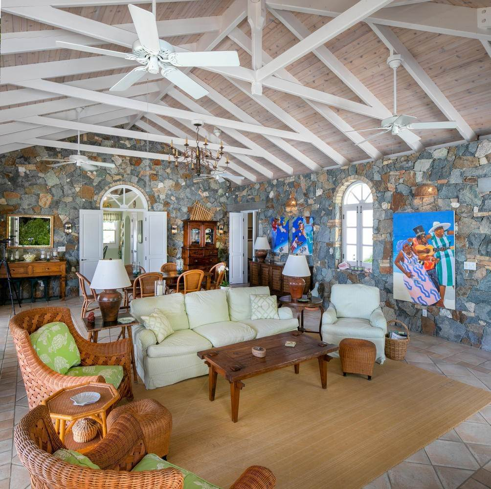 5. Single Family Home per Vendita alle ore 9-4 Con. Contant Cruz Bay St John, Virgin Islands,00830 Isole Vergini Americane