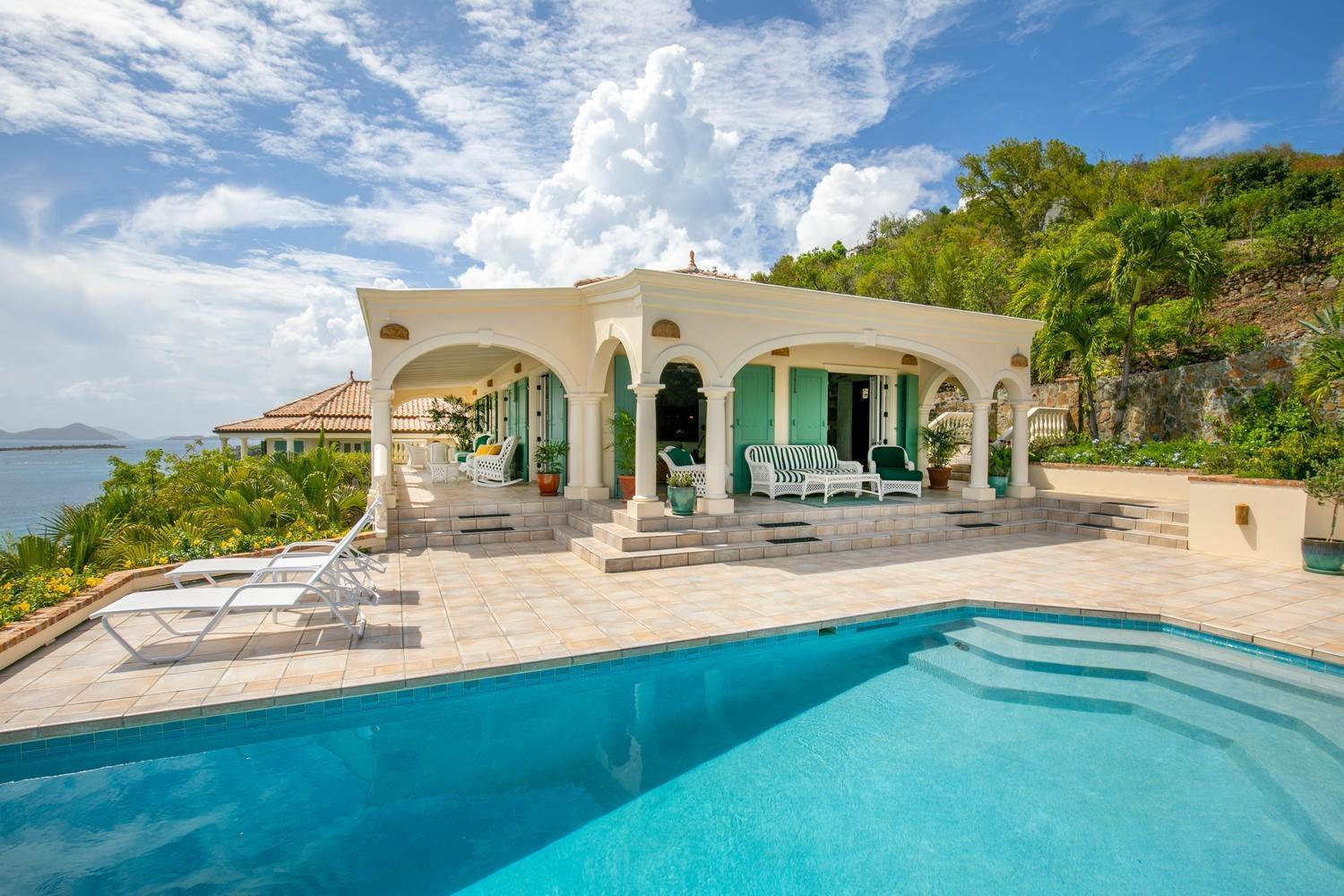 3. Single Family Home per Vendita alle ore 9-4 Con. Contant Cruz Bay St John, Virgin Islands,00830 Isole Vergini Americane
