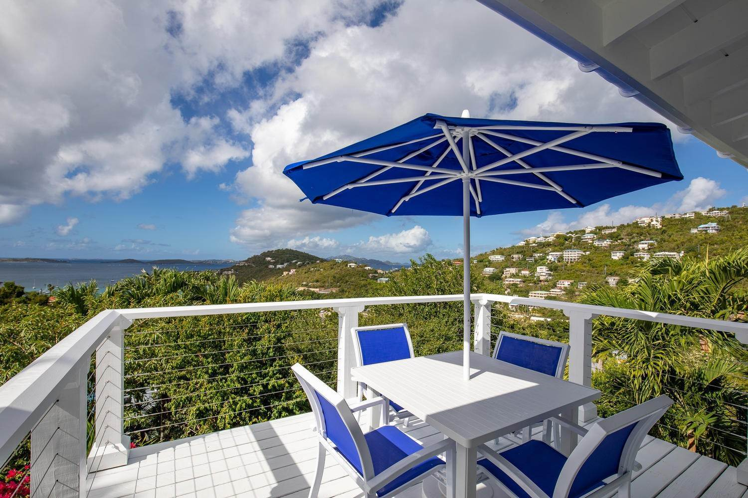 54. Single Family Home pour l à vendre à 211& 211 A Chocolate Hole Cruz Bay St John, Virgin Islands,00830 Isles Vierges Américaines