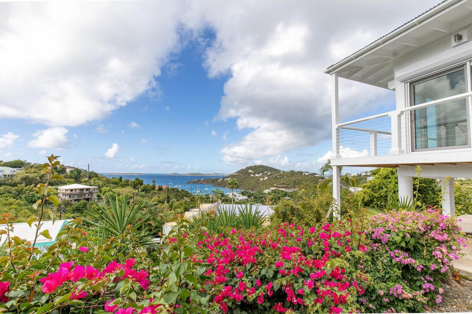 65. Single Family Home pour l à vendre à 211& 211 A Chocolate Hole Cruz Bay St John, Virgin Islands,00830 Isles Vierges Américaines