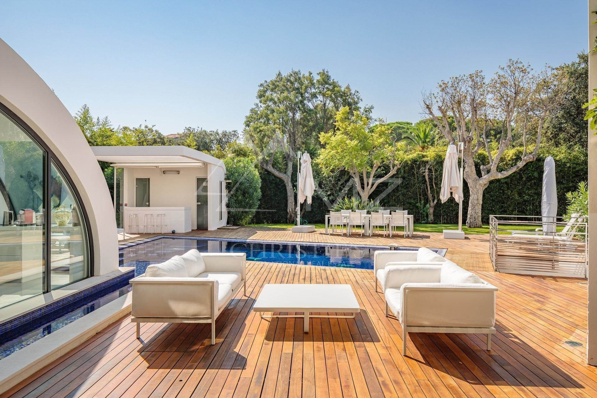 4. Villa/Townhouse for Sale at Pampelonne - Contemporary villa close to the Club 55 Ramatuelle, Var,83350 France