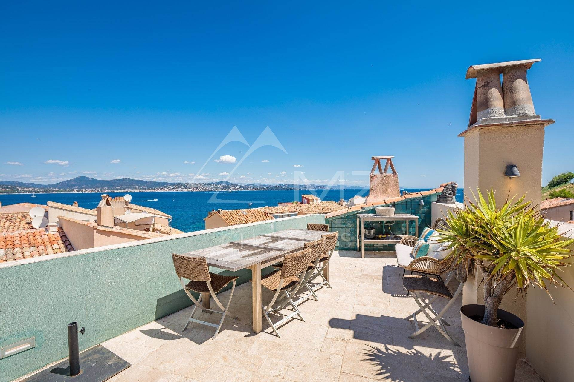 2. 別墅 / 联排别墅 為 出售 在 Saint-Tropez - Town house with sea view Saint-Tropez, Var,83990 法國