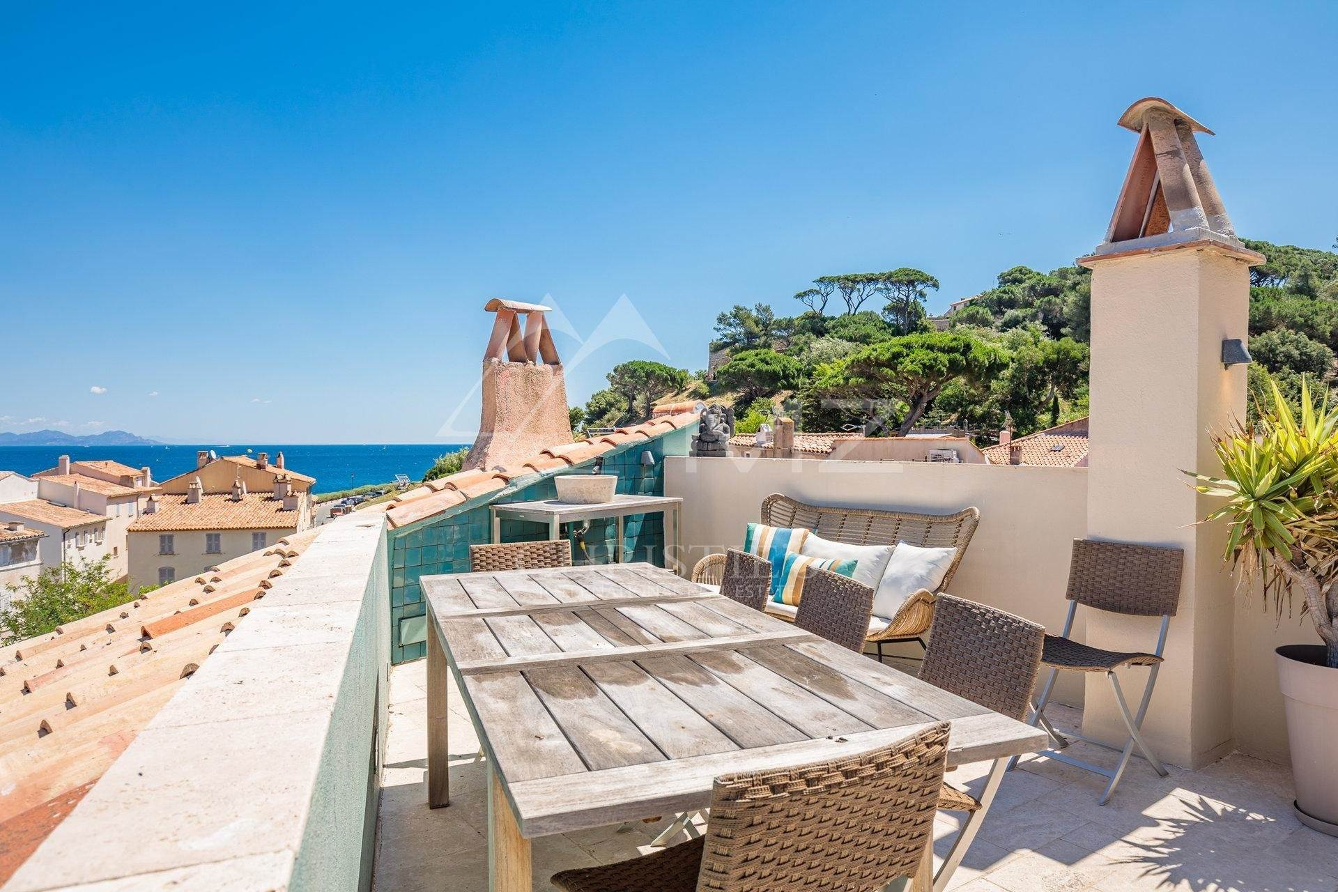 別墅 / 联排别墅 為 出售 在 Saint-Tropez - Town house with sea view Saint-Tropez, Var,83990 法國