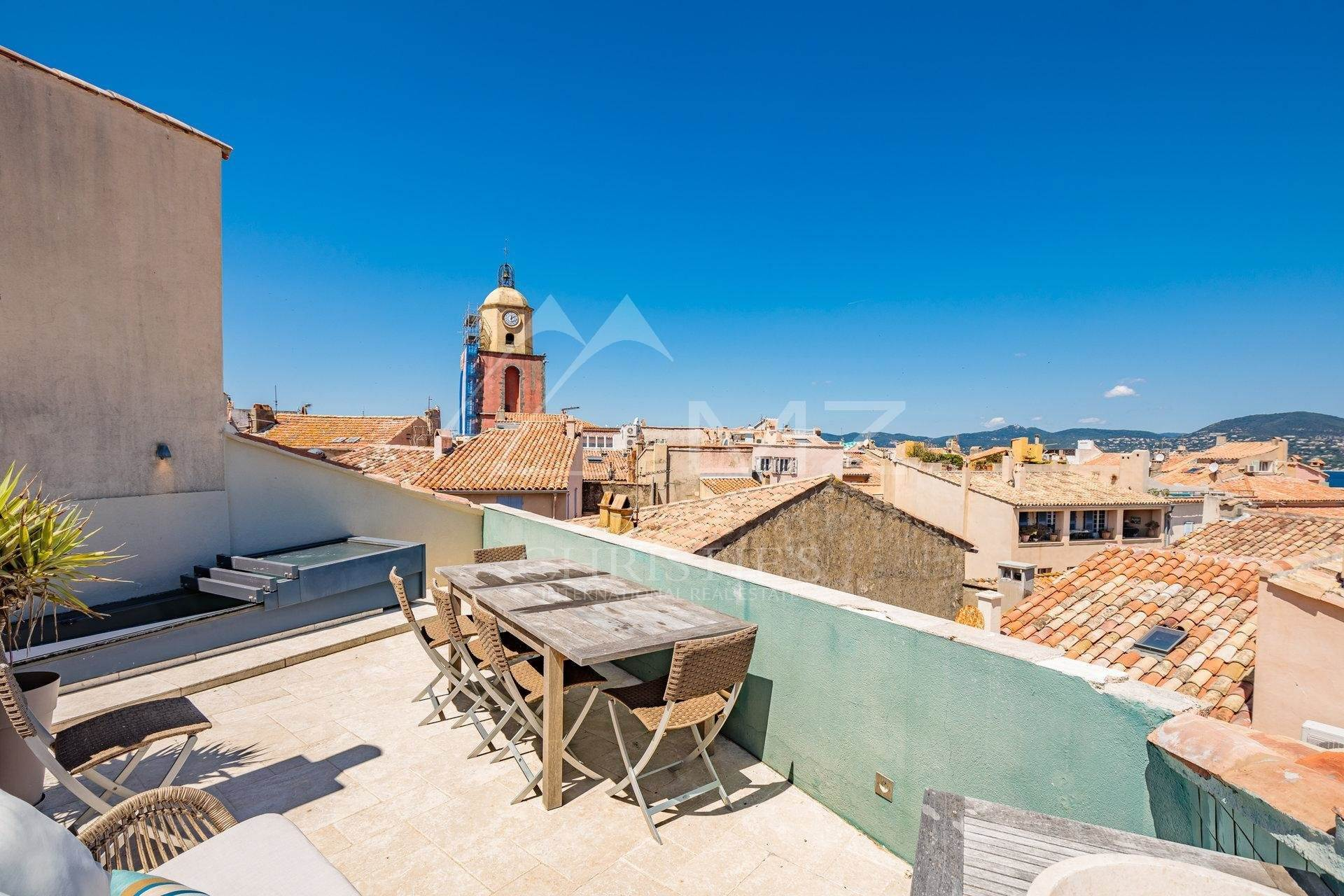 8. 別墅 / 联排别墅 為 出售 在 Saint-Tropez - Town house with sea view Saint-Tropez, Var,83990 法國