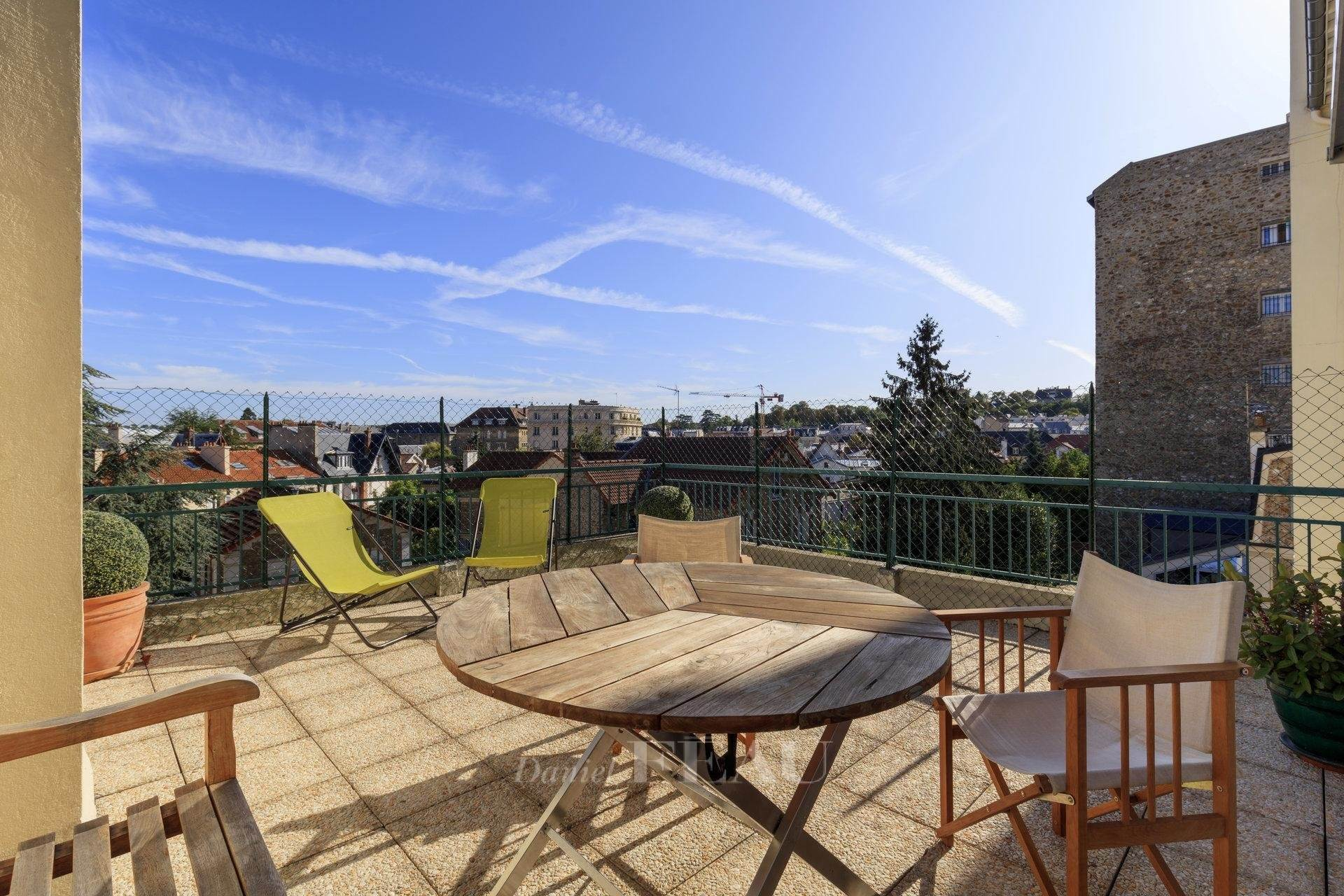 公寓 為 出售 在 Versailles – A superb family apartment with a terrace Versailles, Yvelines,78000 法國