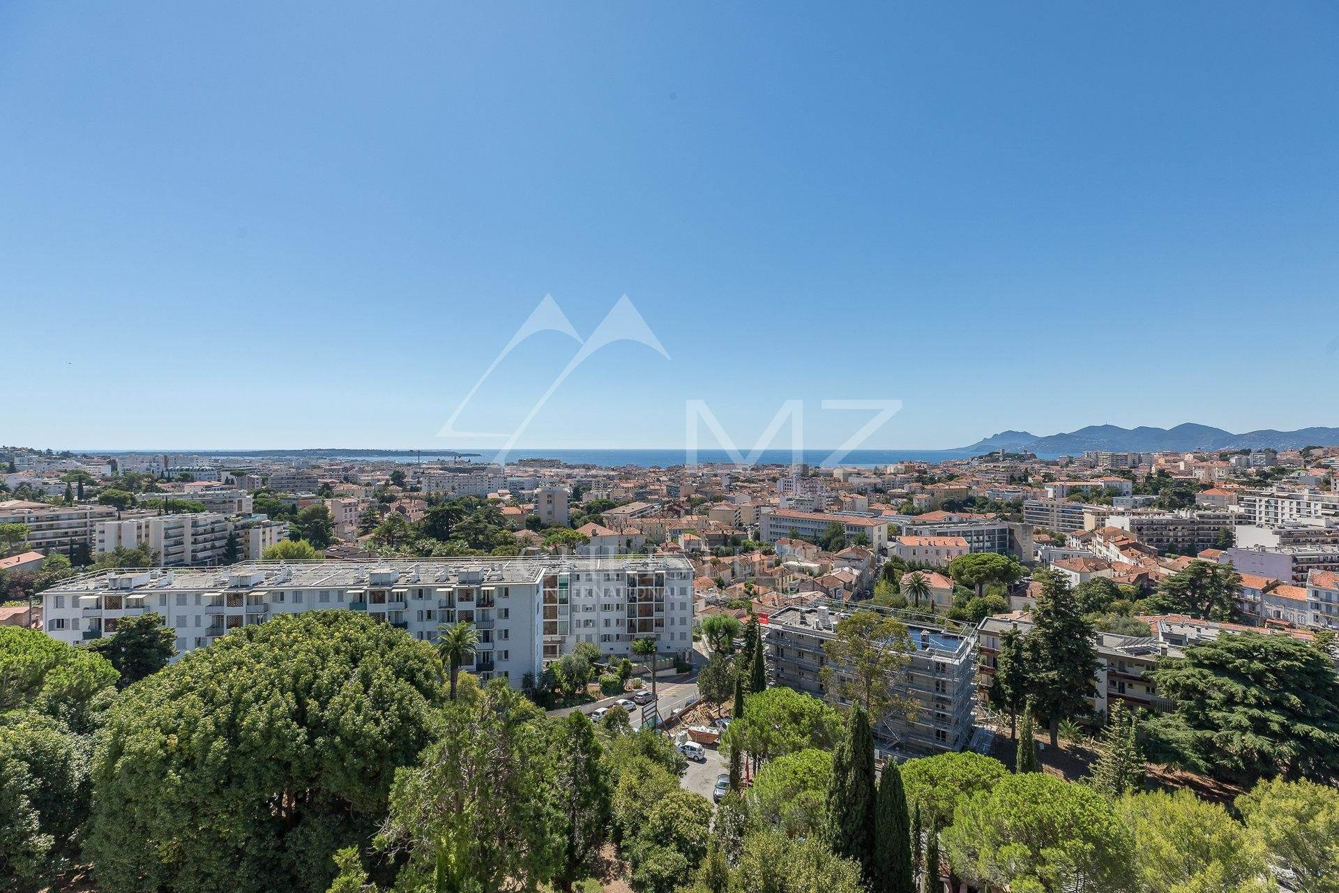 7. 公寓 為 出售 在 Cannes - Montrose - Bourgeois style apartment on a top floor Cannes, 海濱阿爾卑斯省,06400 法國