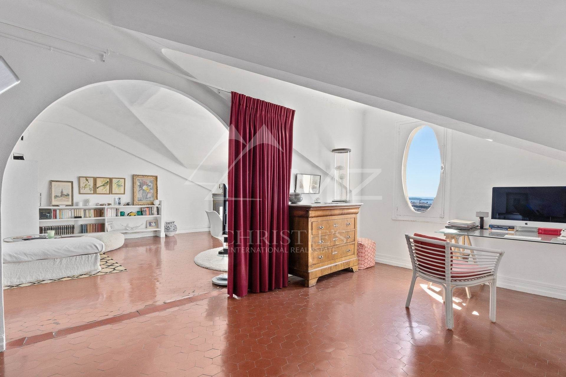 3. 公寓 為 出售 在 Cannes - Montrose - Bourgeois style apartment on a top floor Cannes, 海濱阿爾卑斯省,06400 法國