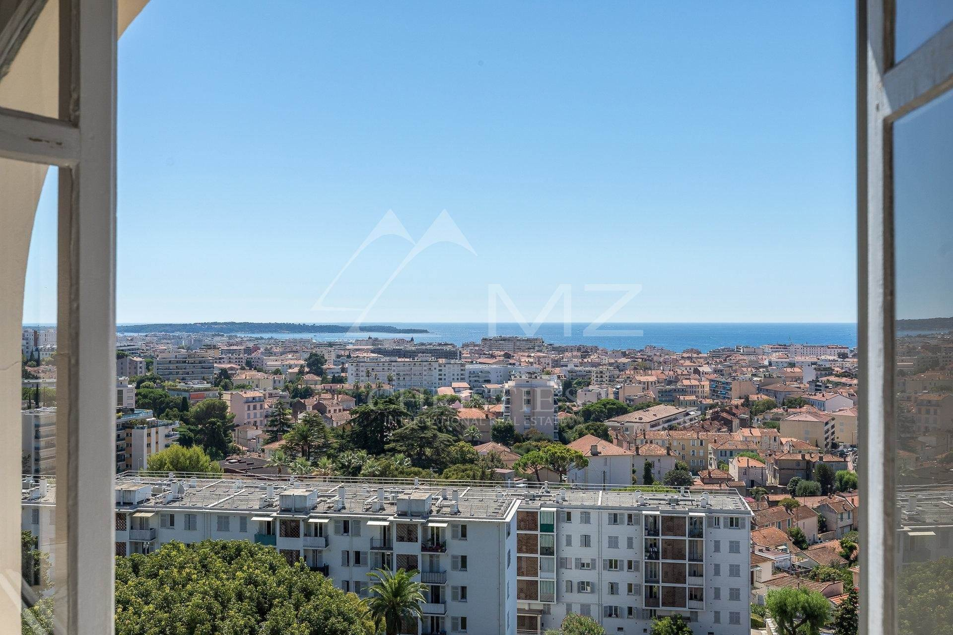 8. 公寓 為 出售 在 Cannes - Montrose - Bourgeois style apartment on a top floor Cannes, 海濱阿爾卑斯省,06400 法國