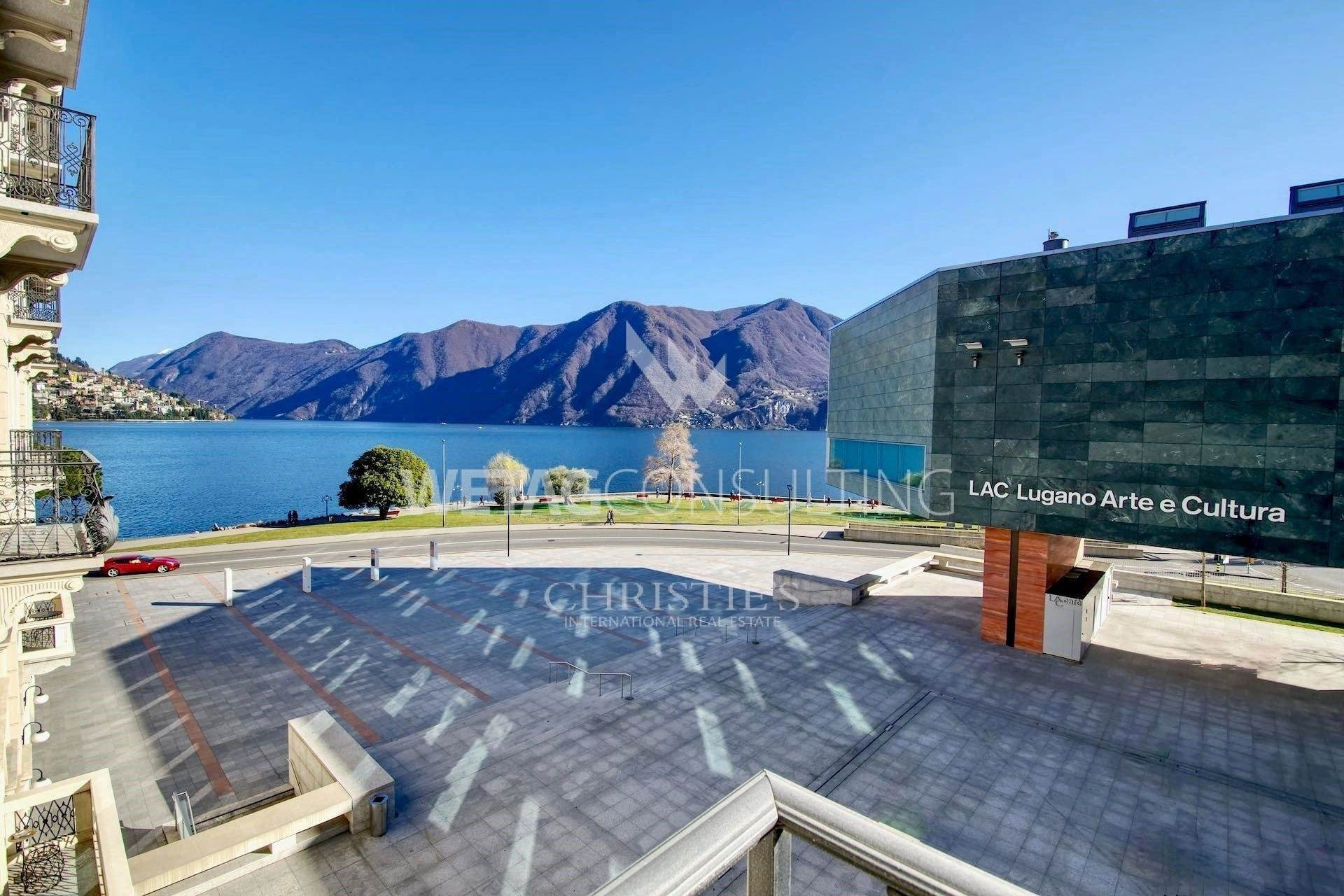 Daireler için Satış at Luxury lake view apartment in the center of Lugano Lugano, Ticino,6900 İsviçre