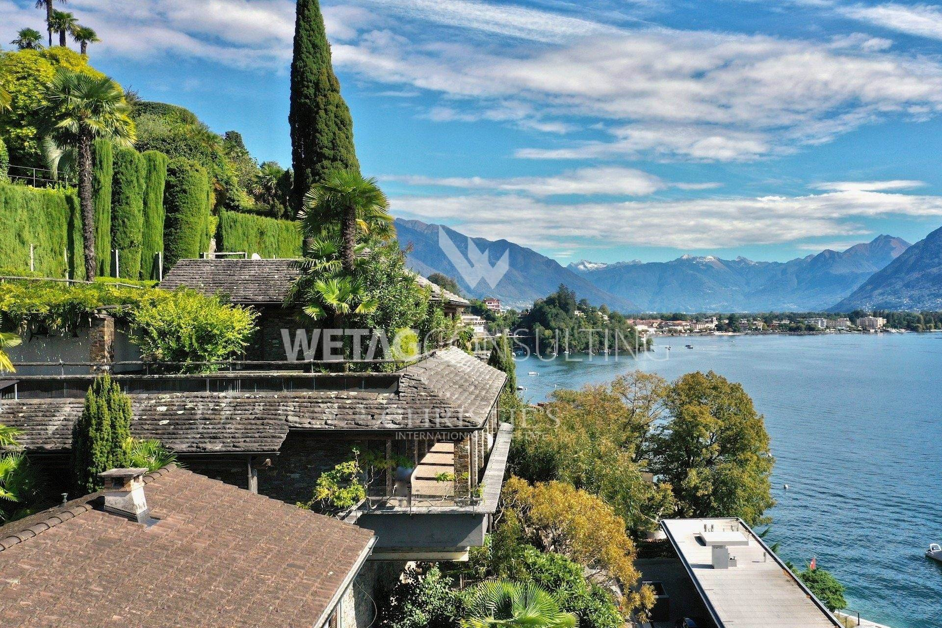 2. Villas / Moradias em banda para Venda às Refined villa in Ascona with a panoramic view of Lake Maggiore Ascona, Ticino,6612 Suíça