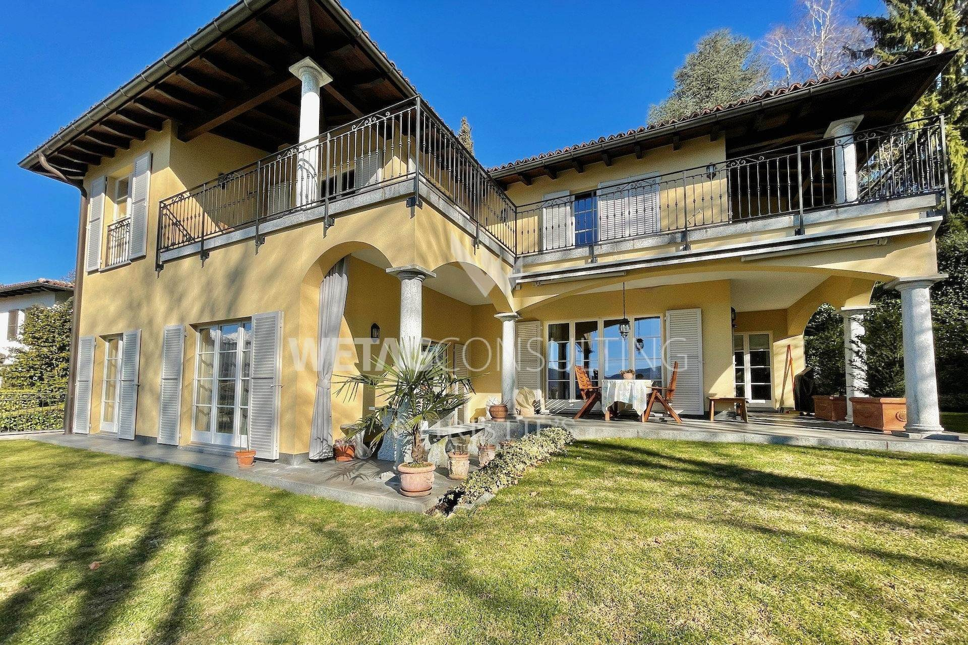 別墅 / 联排别墅 為 出售 在 Elegant Mediterranean villa with garden for sale in Montagnola Montagnola, 提契诺,6926 瑞士