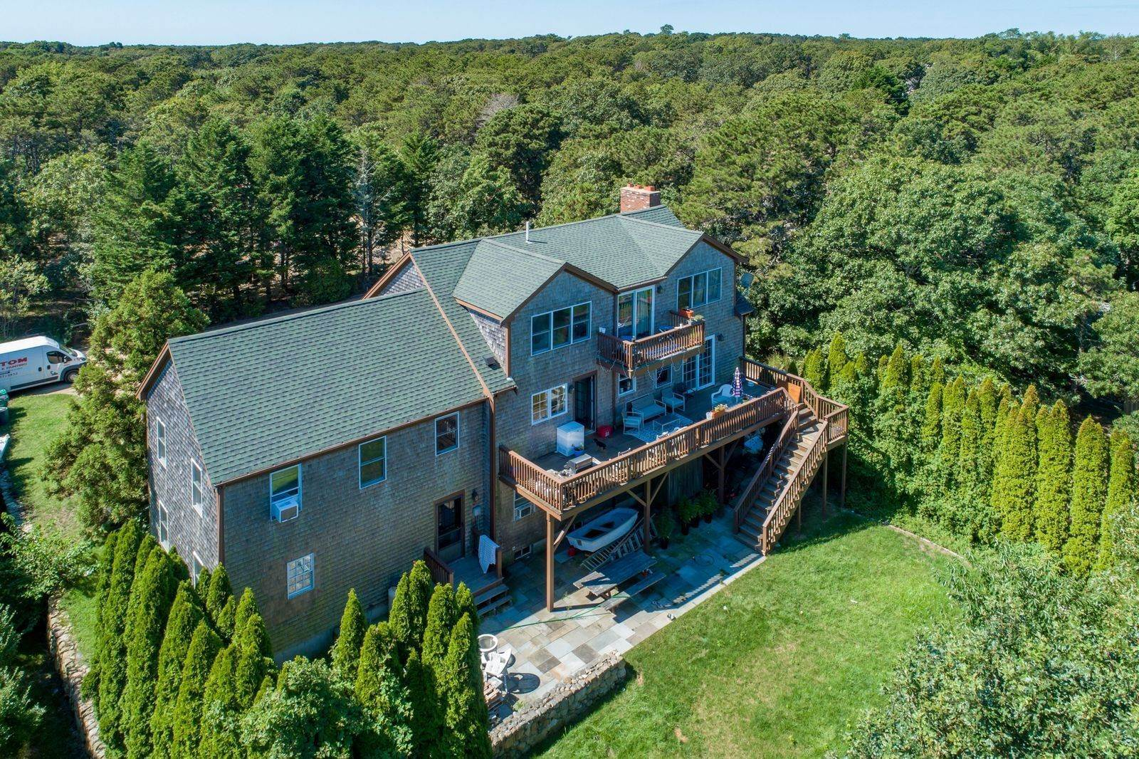 2. Single Family Home for Sale at 81 12th Street North, Edgartown, Massachusetts,02539 United States