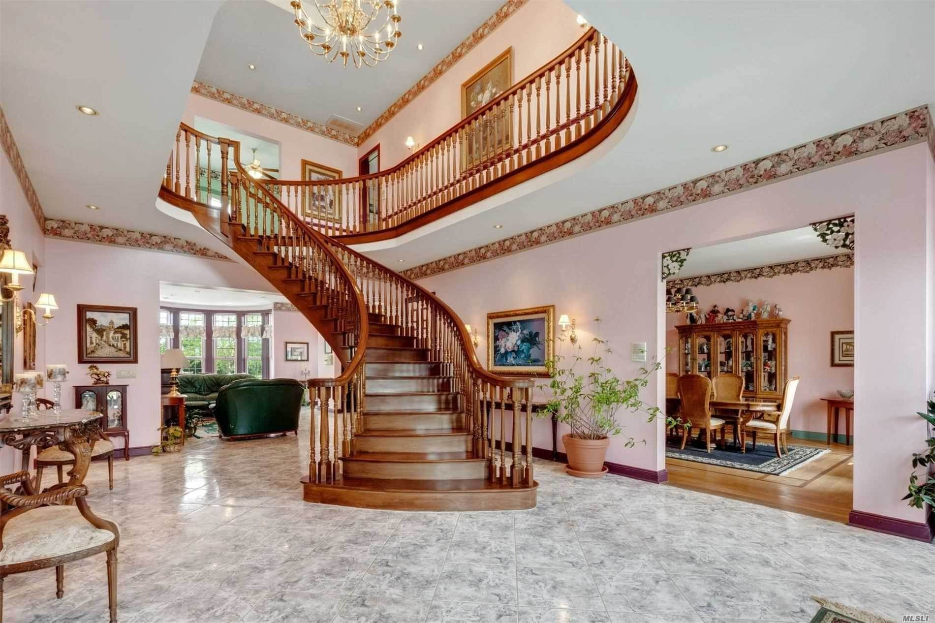 6. Single Family Home for Sale at Manorville,NY,United States Manorville, New York,11949 United States