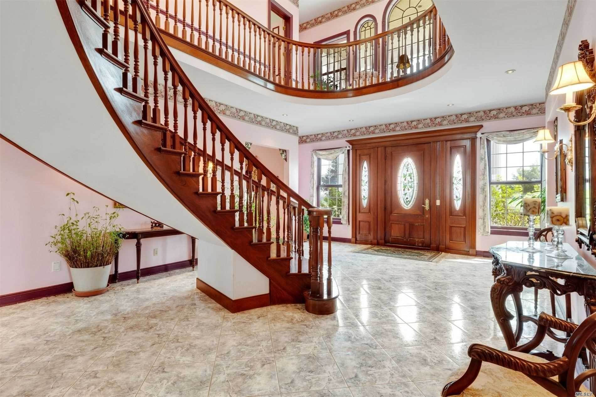 7. Single Family Home for Sale at Manorville,NY,United States Manorville, New York,11949 United States