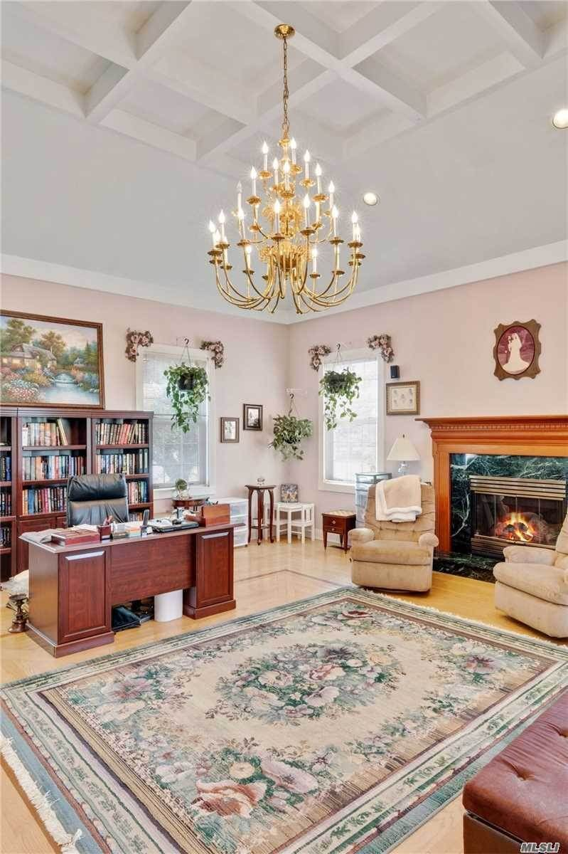 10. Single Family Home for Sale at Manorville,NY,United States Manorville, New York,11949 United States