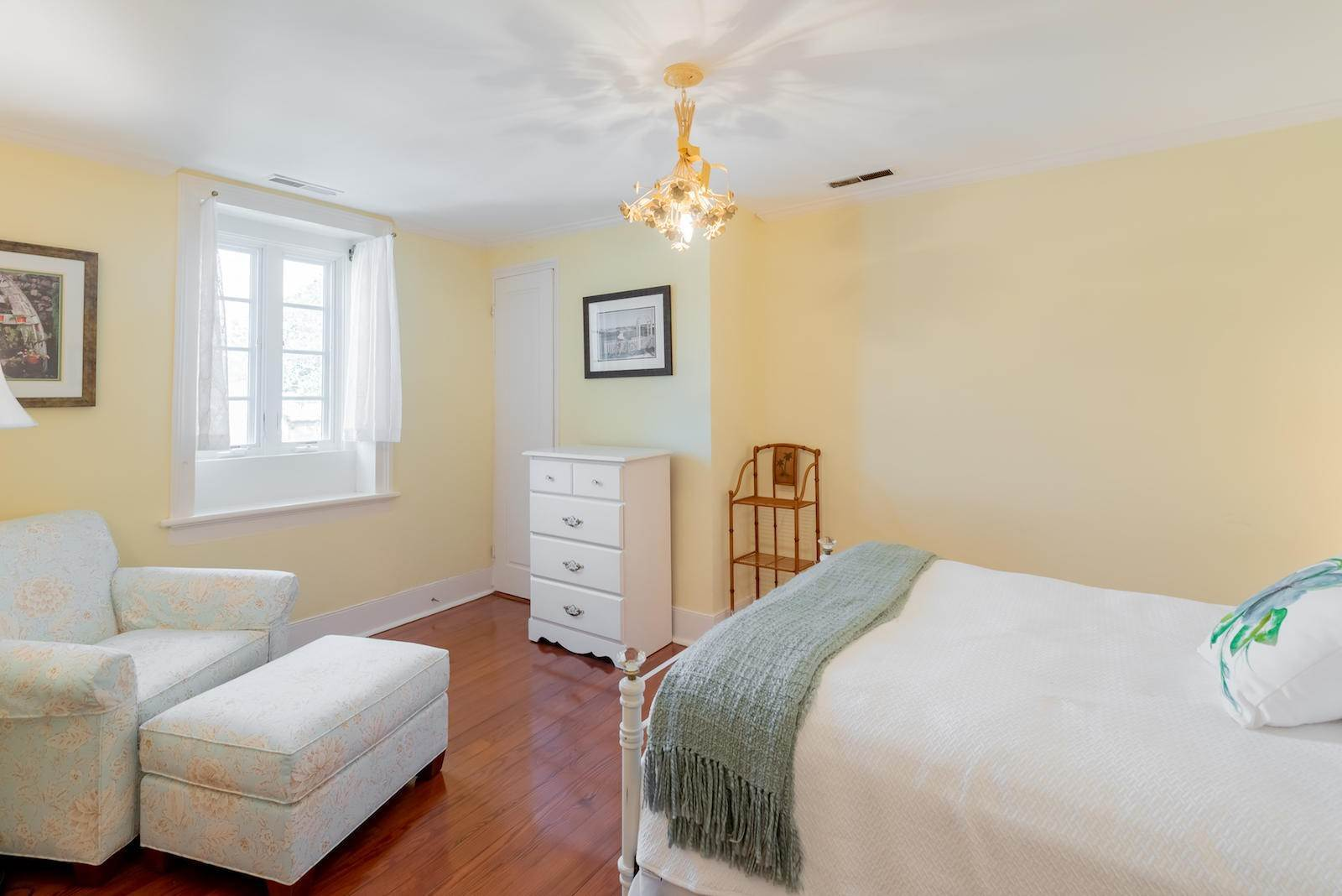 23. Villa/Townhouse for Sale at 16 Tradd Street Charleston, South Carolina,29401 United States