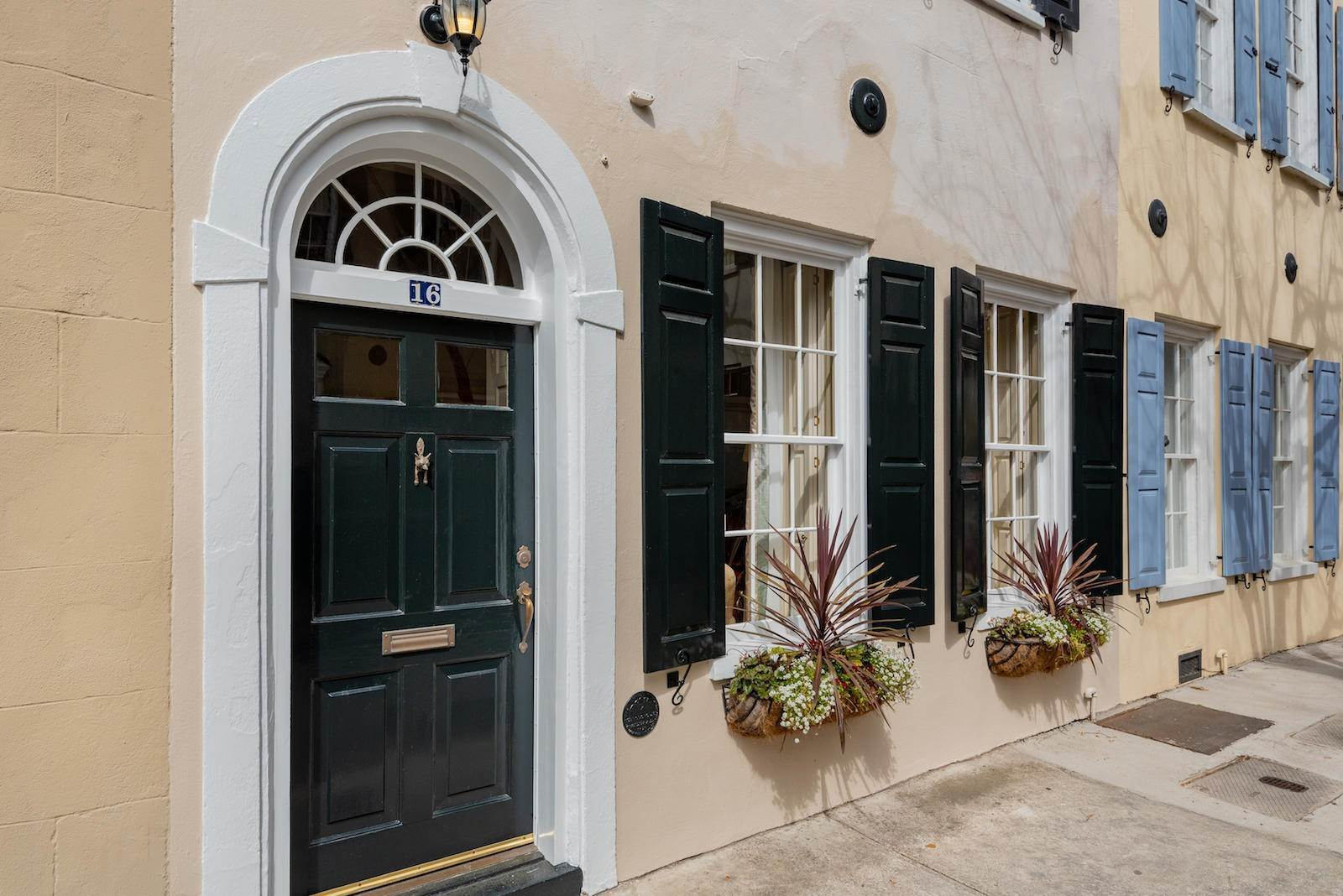 Villa/Townhouse for Sale at 16 Tradd Street Charleston, South Carolina,29401 United States
