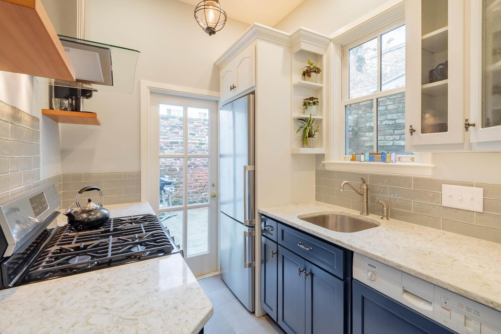 10. Villa/Townhouse for Sale at 16 Tradd Street Charleston, South Carolina,29401 United States