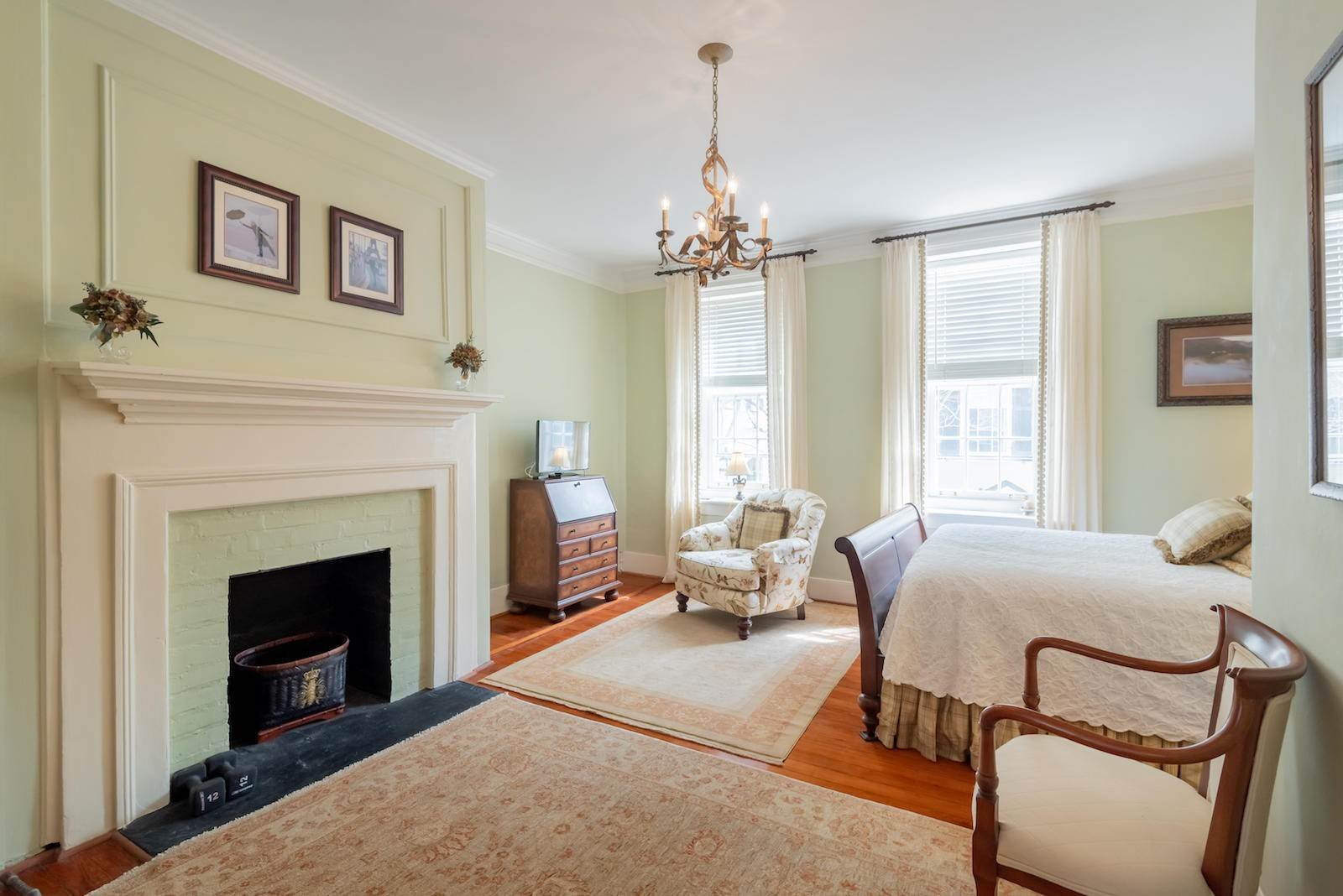 14. Villa/Townhouse for Sale at 16 Tradd Street Charleston, South Carolina,29401 United States