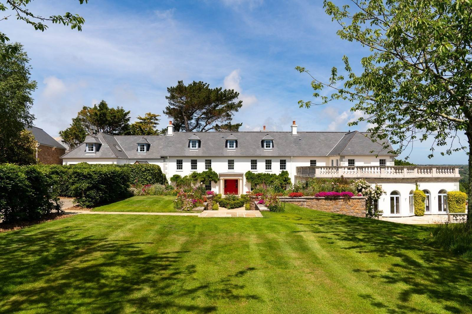 Single Family Home for Sale at Luxurious family residence with sea views St Brelade, Jersey St Brelade,JE3 8AR Jersey