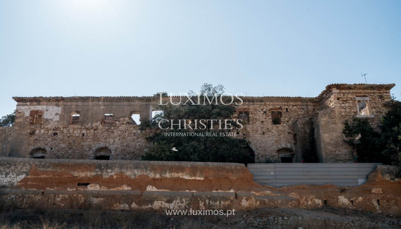 Co-op property for Sale at Sale of secular property in Portimão, Algarve, Portugal Portimao, Algarve,8500-804 Portugal