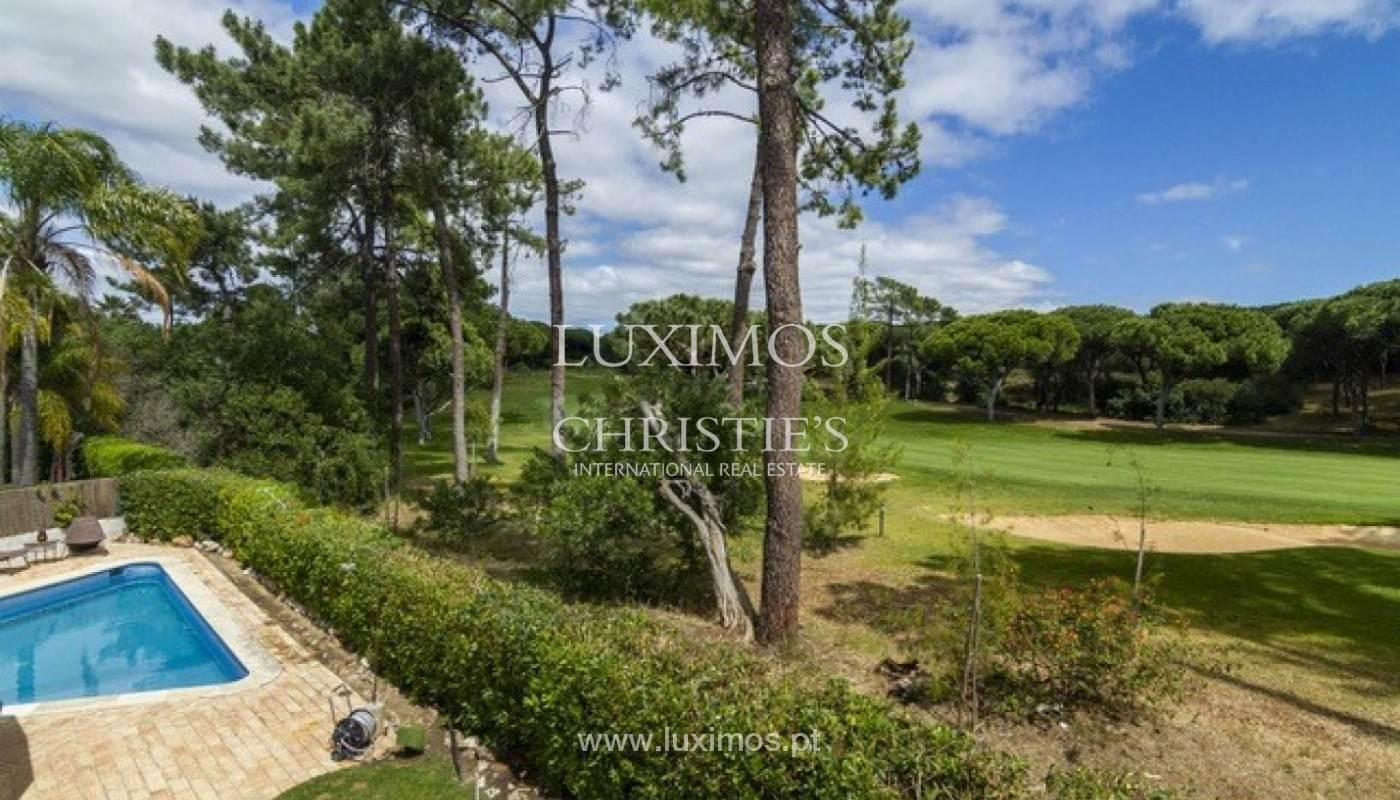 30. Виллы / Таунхаусы для того Продажа на Sale of villa with pool golf front in Vilamoura, Algarve, Portugal Loule, Algarve,8125-404 Португалия