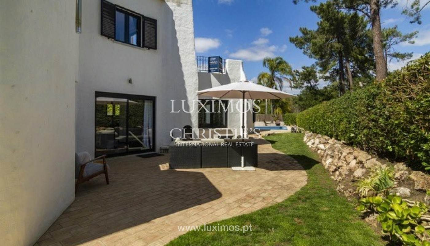 29. Виллы / Таунхаусы для того Продажа на Sale of villa with pool golf front in Vilamoura, Algarve, Portugal Loule, Algarve,8125-404 Португалия