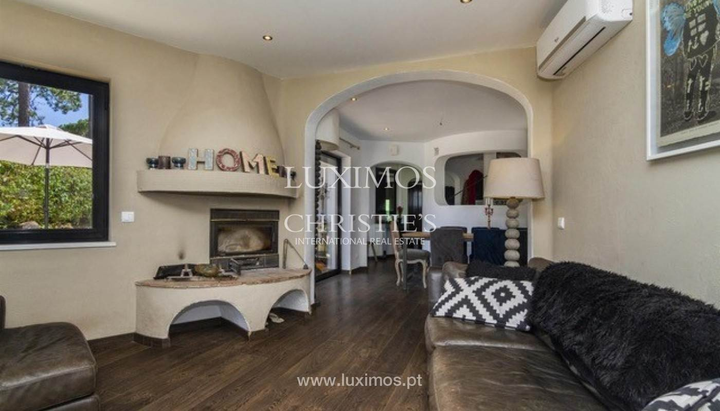 7. Виллы / Таунхаусы для того Продажа на Sale of villa with pool golf front in Vilamoura, Algarve, Portugal Loule, Algarve,8125-404 Португалия