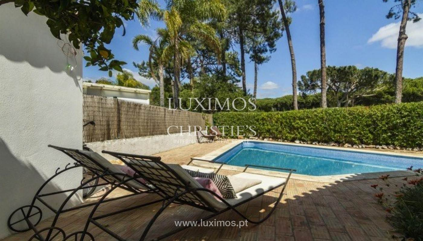 23. Виллы / Таунхаусы для того Продажа на Sale of villa with pool golf front in Vilamoura, Algarve, Portugal Loule, Algarve,8125-404 Португалия